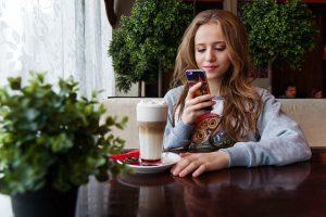 Afbeelding tiener smartphone